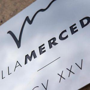 Villa-Mercedes-sign1