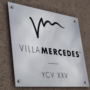 Villa-Mercedes-sign4