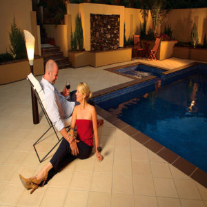 Riviera_Imperia_couple-by-pool